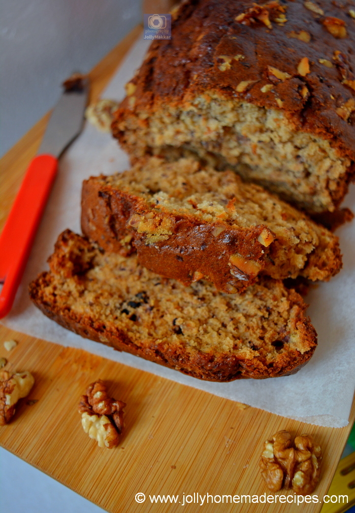 Banana Bread spiced with Nutmeg and Cinnamon