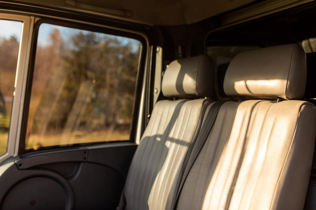 Xe tải Mercedes hàng hiếm có giá đặt gấp 3 lần G-Class