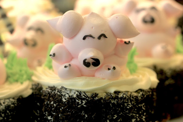 Cute Pig Cakes Animals Shops In Chinatown London UK Travel Blogger What to buy
