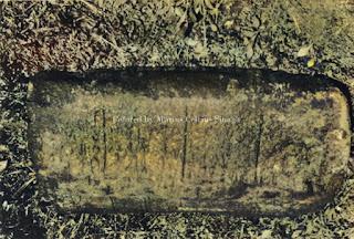 batu dengan tulisan di sumbul