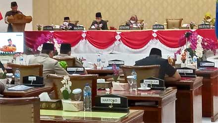 Rapat paripurna DPRD Kota Sawahlunto
