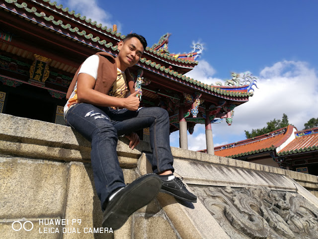 FaceCebu Author posing at the temple