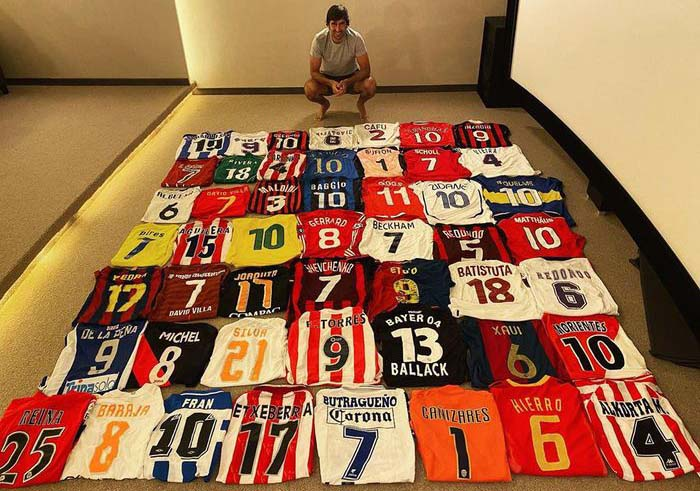 Legenda Real Madrid Raul Gonzalez Pamer Koleksi Jersey
