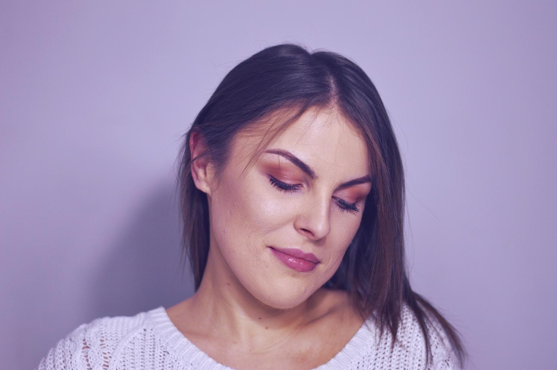 makijaż tanimi kosmetykami, jaki makijaż na co dzień do szkoły