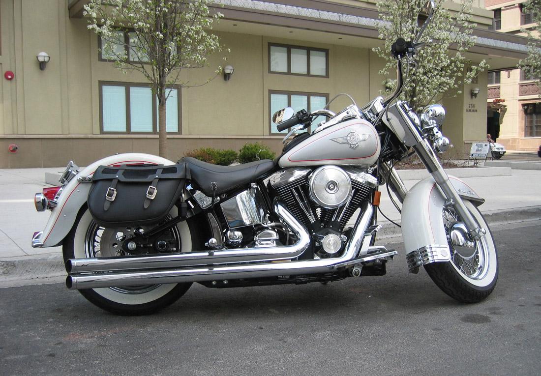 Old Harley Davidson: Harley Davidson Classic: Classic Harley Davidson