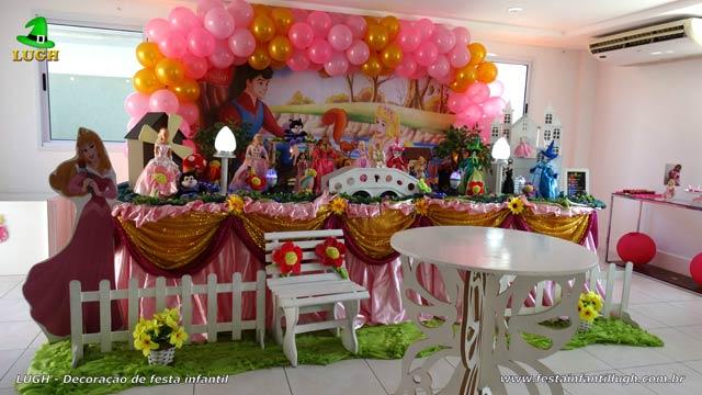 Decoração de festa feminina tema A Bela Adormecida - Aniversário infantil