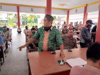 Puluhan Warga Gruduk Kantor Desa Wringinagung  Tuntut Pemberhentian Kasun
