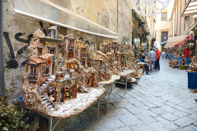Atrativos em Nápoles na Costa Amalfitana