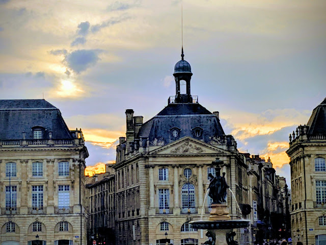 What to see in Bordeaux in October: Place de la Bourse