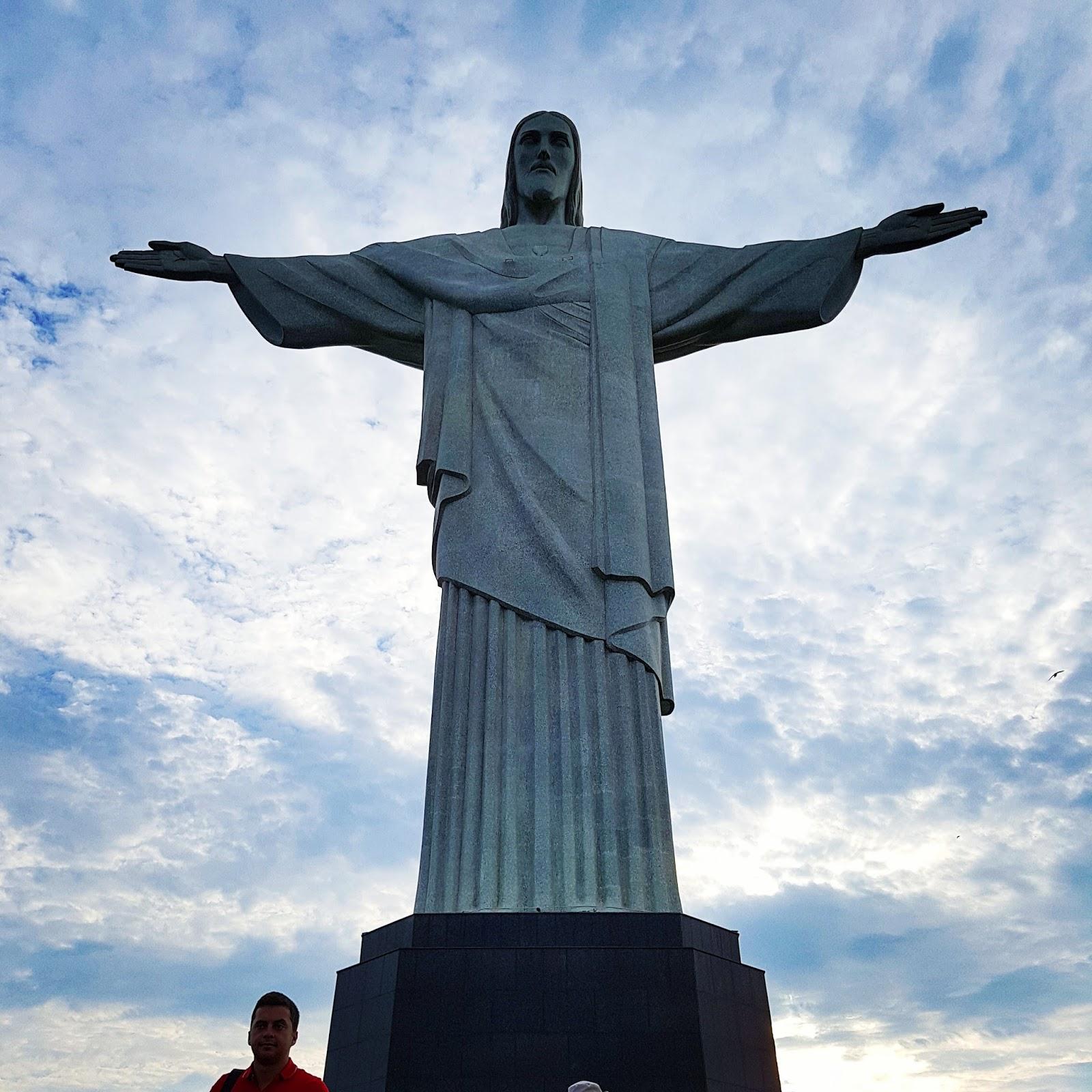 cf046840feb O Corcovado e o Cristo Redentor - Rio de Janeiro