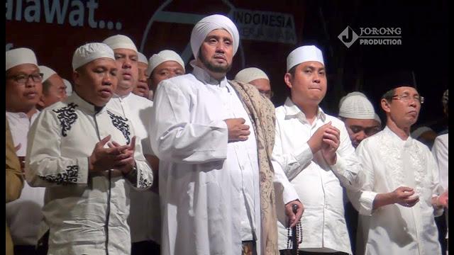 Lirik Syiir Mahallul Qiyam Asyroqol Kaunubtihajan Lengkap