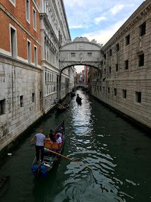 venedik, gezi, gondol, romantik, kanal, tur, tatil, yurt dışı,tekne, ahlar, son nefes, köprüsü