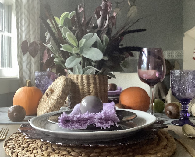 Fall Tablescape that's inexpensive and easy to do