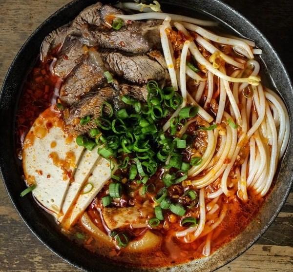 BUN BO HUE (SPICY VIETNAMESE BEEF NOODLE SOUP) #dinner #maincourse