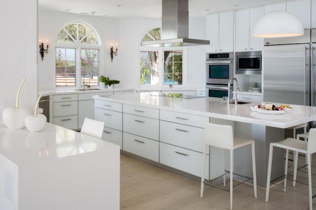 แบบห้องครัวโมเดิร์นโทนสีขาว