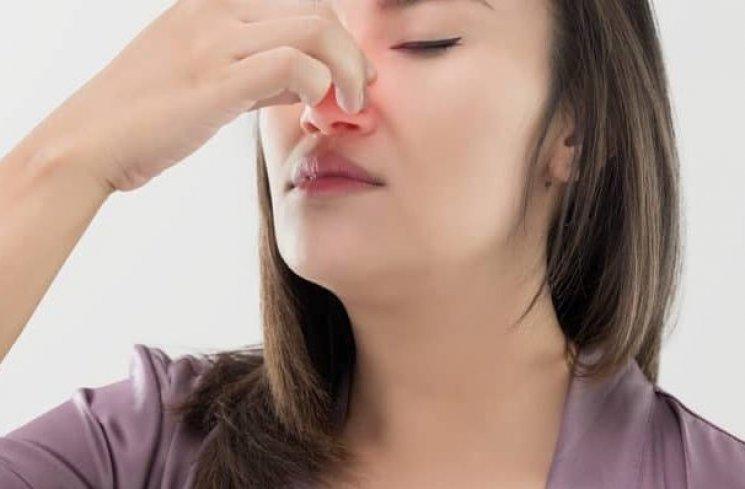 Studi Coronavirus Menemukan Hubungan 'Mengejutkan' Antara Infeksi dan Hilangnya Penciuman
