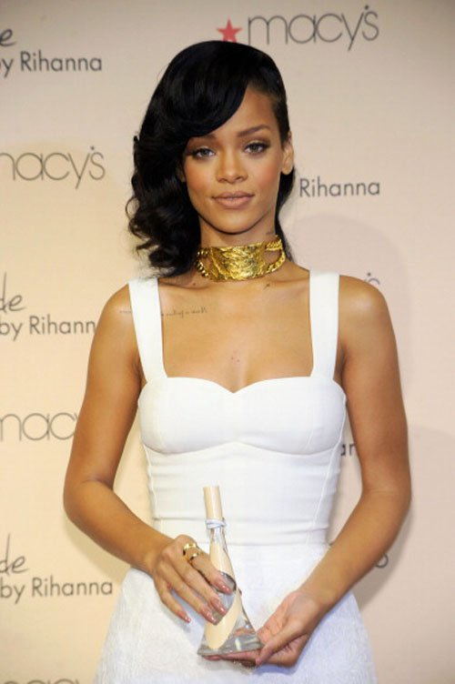 Rihanna Talks Nude: Does She Wear it for Chris Brown? | E! News
