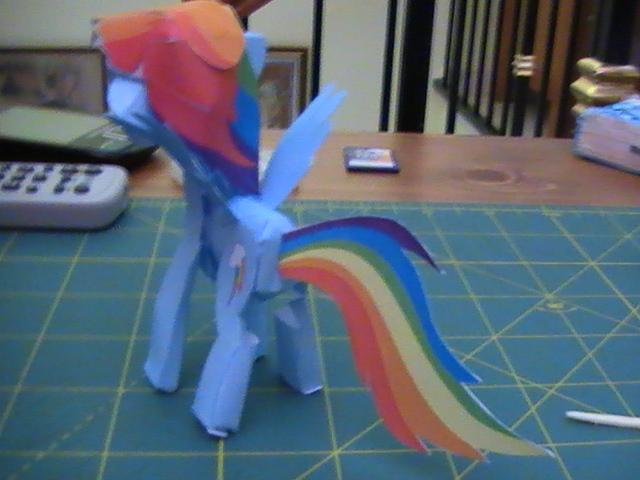 A.T.D.I.: Pony Papercraft - Rainbow Dash