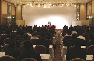 三遊亭楽春講演会「落語に学ぶカスタマーサービス、CSマインド向上講演会」