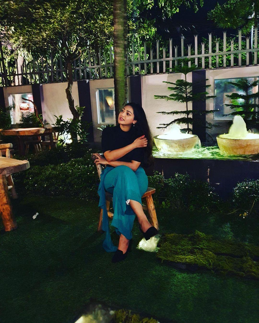 মডেল এবং অভিনেত্রী সাদিয়া জাহান প্রভার কিছু ছবি 5