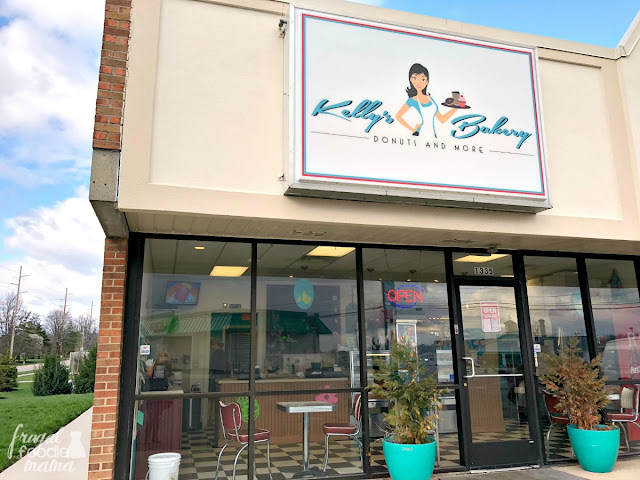 Kelly's Bakery in Hamilton,Ohio has a retro feel with a modern twist. The shop is clean & inviting, donned out with a black & white checkered floor, old school red chairs, and bright pops of turquoise. The staff was super friendly and made us feel like family. #DonutTrail