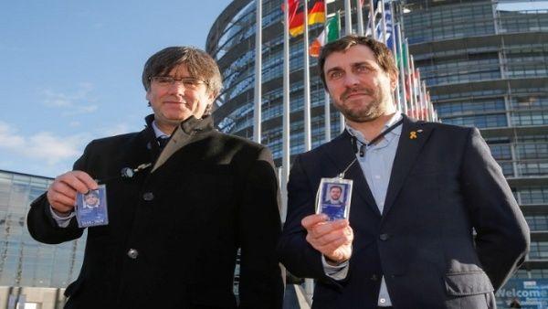 Carles Puigdemont y Antoni Comín se incorporan al Europarlamento