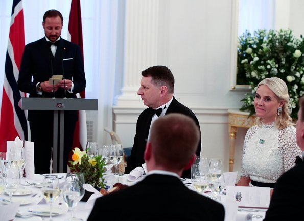 Crown Prince Haakon and Crown Princess Mette-Marit attended a dinner held by President of Latvia, Raimonds Vējonis and Mrs. Iveta Vējone at Riga
