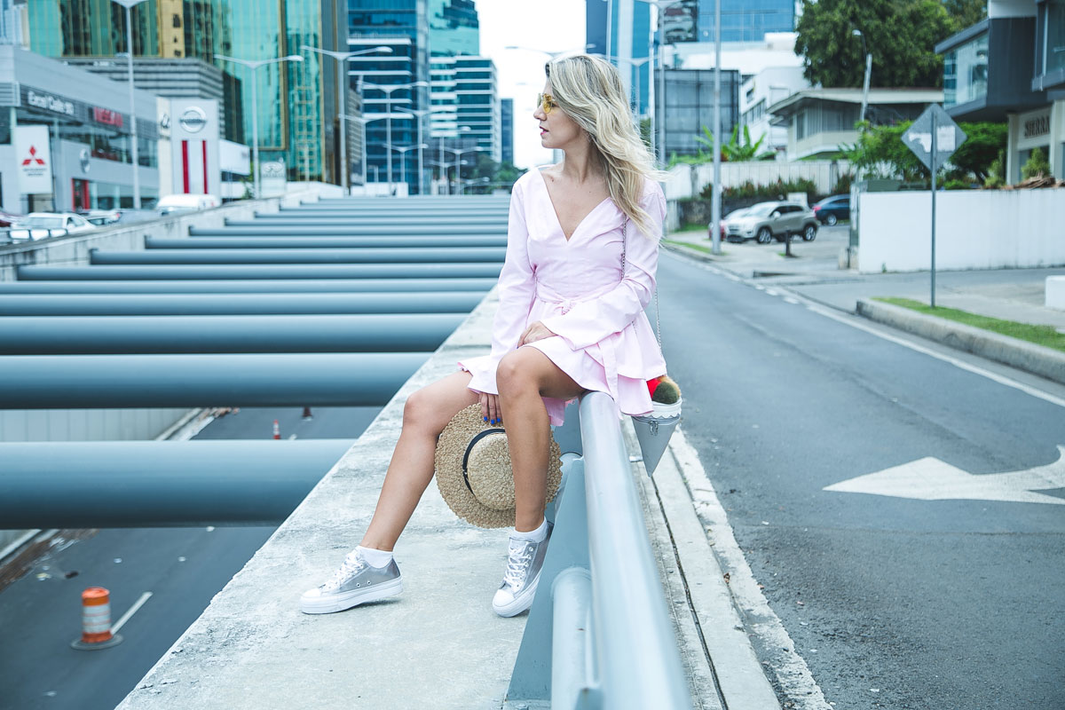 d142bc2195a6 3 ways to wear your Converse - Fashion Week Panama 2017