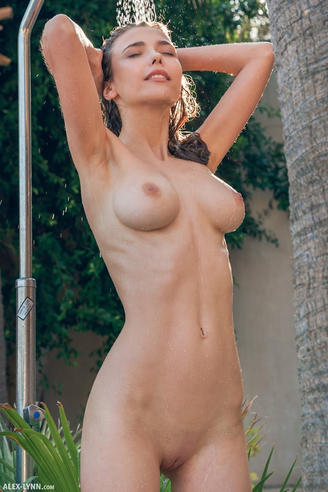 [Alex-Lynn.Com] Mila Azul - Outdoor Shower - idols