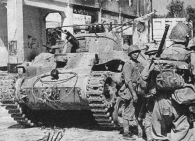 Japanese Type 97 'Chi-Ha' medium tank during advance on Singapore 10 February 1942 worldwartwo.filminspector.com