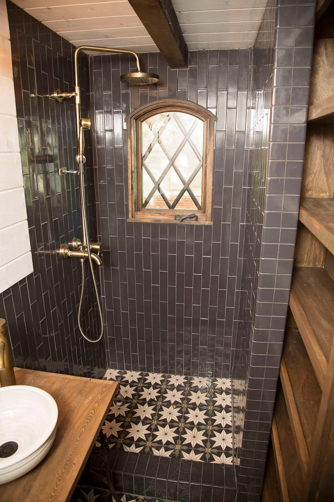 Tiny Home Bathroom Design: TINY HOUSE TOWN: Old World Vermont Tiny Home (300 Sq Ft