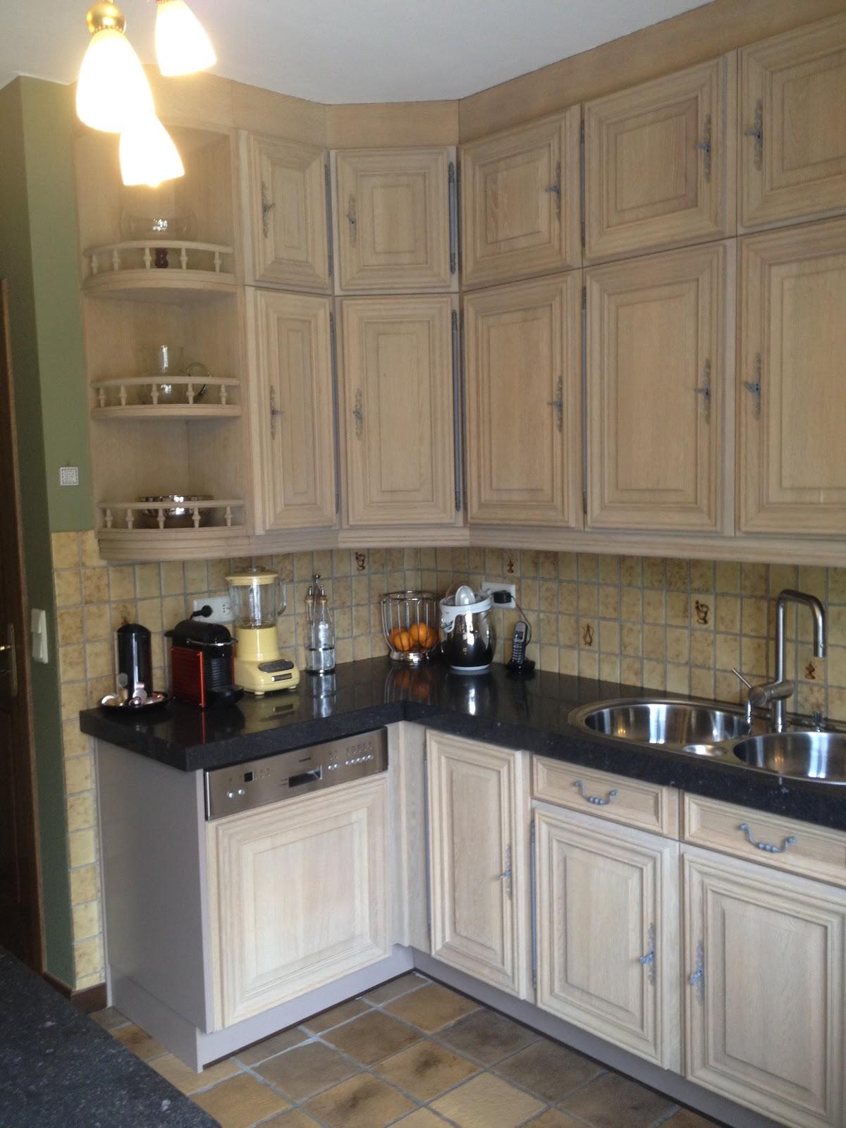 Bekend Renovatie van eiken keukens: Zandstralen, vernieuwen, beitsen en  LY01