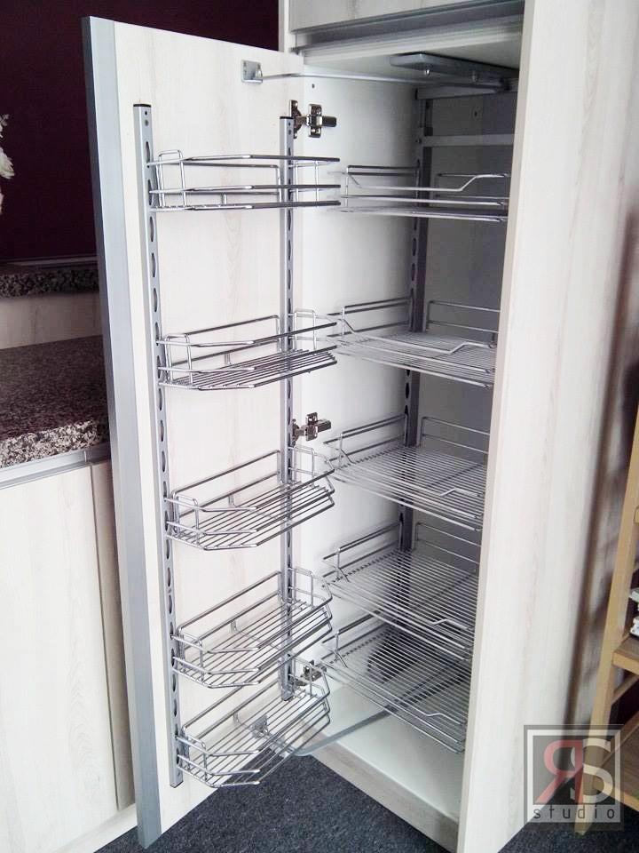 Aksesori Untuk Tall Unit Kabinet Dapat Menyimpan Stok Makanan Kering Ringan Secara Tidak Langsung Ia Menjadi Peti Sejuk Kedua Anda Di Dapur