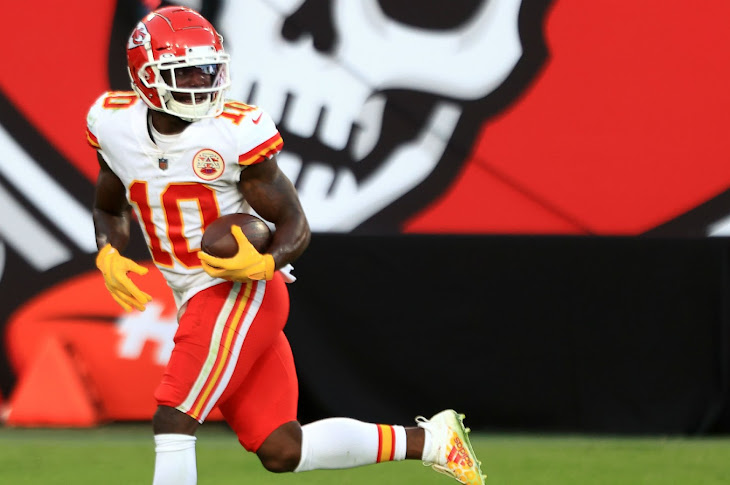 Tyreek Hill Torches The Buccaneers