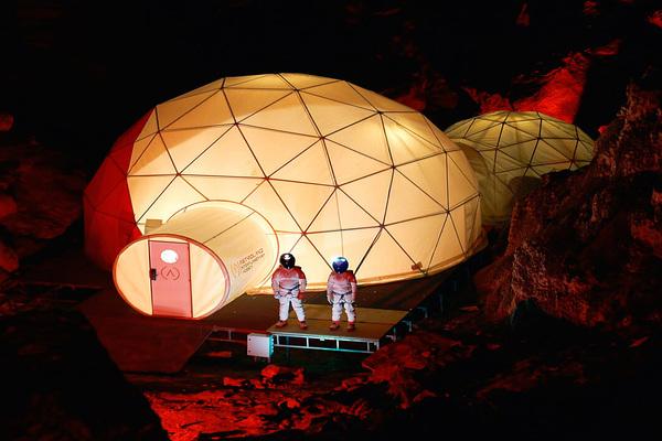 بالفيديو: وكالة Astroland تدرب البشر لرحلة إلى المريخ من على الأرض