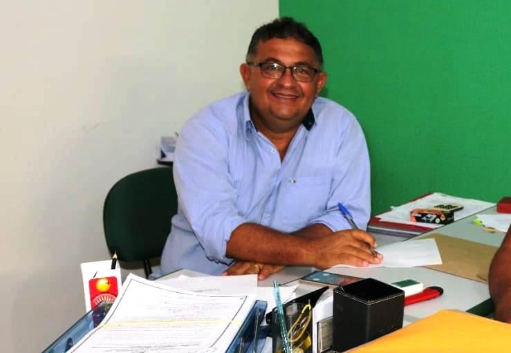 Jornalista processa prefeito de Alenquer após ser alvo de calúnia e difamação na internet