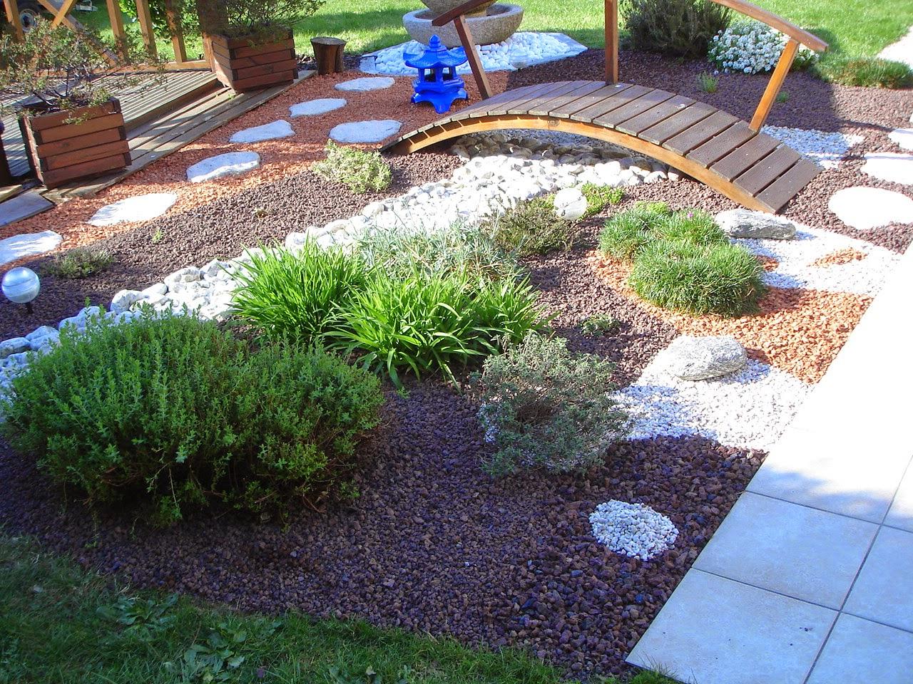 les passions de lili petit jardin japonisant. Black Bedroom Furniture Sets. Home Design Ideas