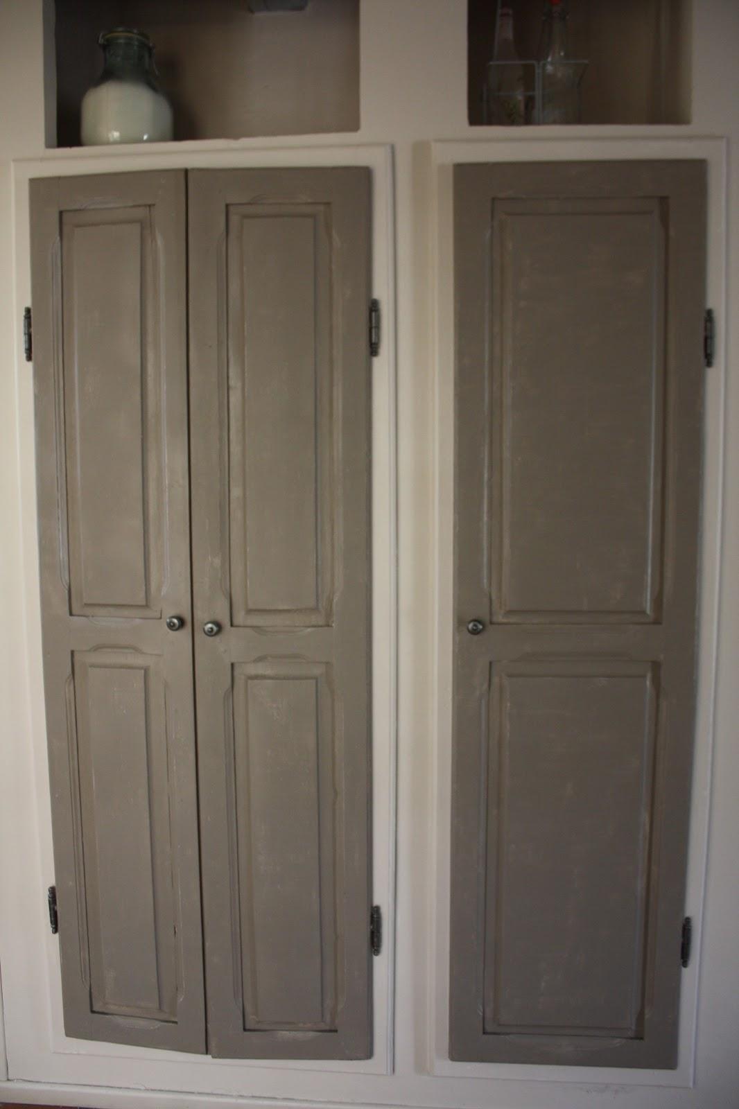 changement de d cors la cuisine patine portes placards et porte. Black Bedroom Furniture Sets. Home Design Ideas