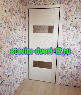 Сочетание дверей и пола в интерьере квартиры