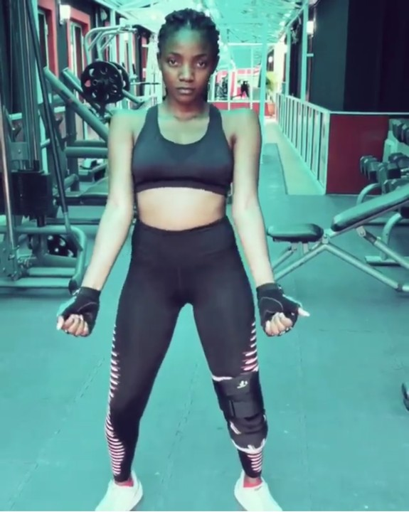 Simi shares sexy workout photo.