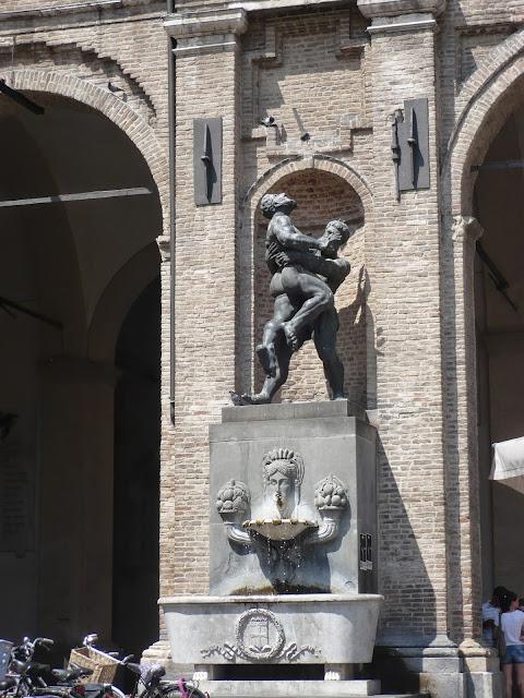 Statua Ercole Anteo Parma