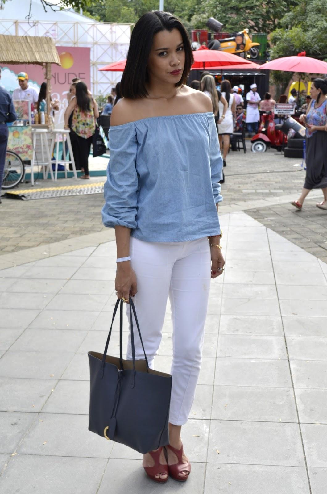 Chava de falda azul se dio cuenta y le gusto - 2 part 1