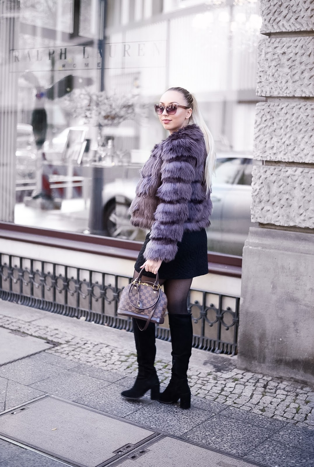 how to find your own personal style_faux fur jacket_fashionblogger streetstyle