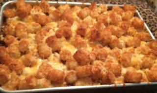 hot dog tater tot casserole, cheesy hot dog tater tot casserole, tater tot chili dog casserole, cheesy chili dog tater tot casserole, chili cheese tater tot hot dog casserole
