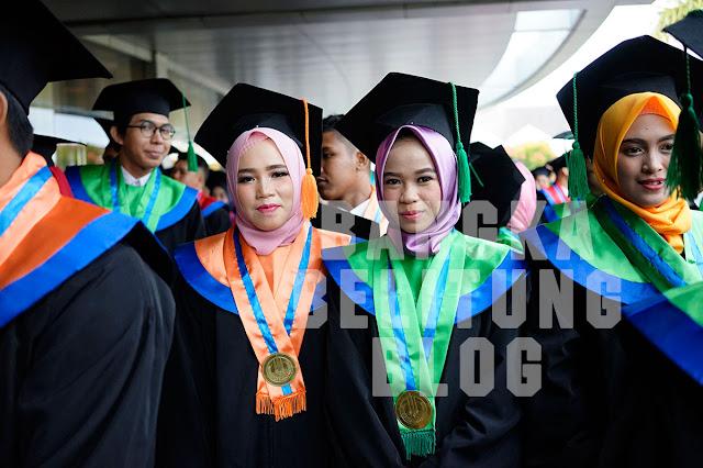 foto-mahasiswa-ubb-wisuda