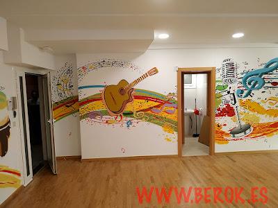 Pintura mural sala latina