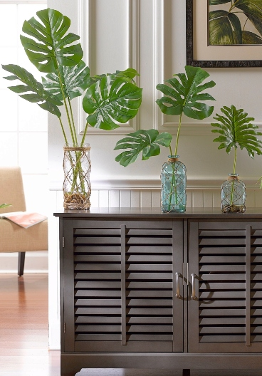Palm Leaves Fronds For A Green Tropical Decor Touch Coastal Decor Ideas Interior Design Diy Shopping Their green leaves look like small green hearts. palm leaves fronds for a green