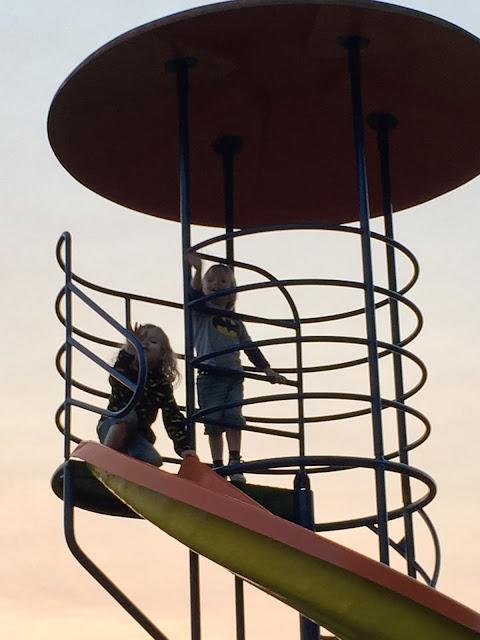 Urlaub mit zwei Kleinkindern - Spielplatz