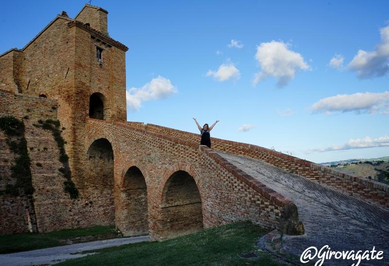 castello Loretello Marche Arcevia