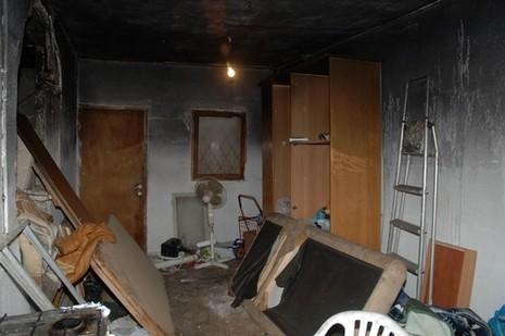 הדירה השרופה צילום: דודו גרינשפן